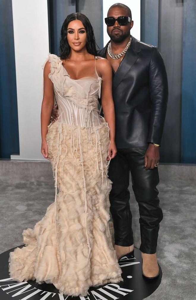 Vừa đẹp, vừa giàu, Kim Kardashian còn sở hữu nhan sắc không đổi suốt 20 năm - 3