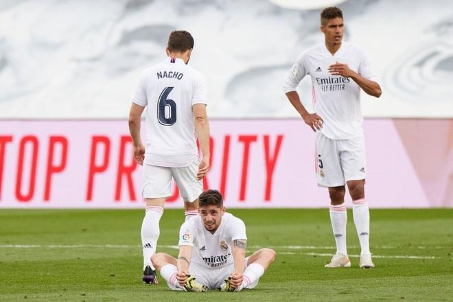 Rộ tin Man Utd dùng lương cao dụ thành công Raphael Varane - 2
