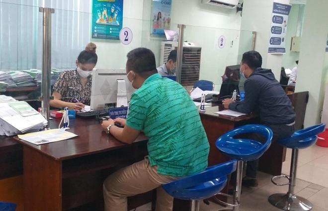 Đà Nẵng: Gần 8.000 người nộp hồ sơ hưởng trợ cấp thất nghiệp - 1