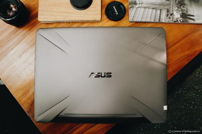 FPT Shop giảm đến 3.000.000 đồng, tặng quà 1.000.000 đồng cho laptop gaming - 2