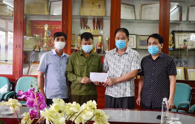 Hỗ trợ học sinh người dân tộc Dao mắc bệnh hiểm nghèo gần 30 triệu đồng - 2