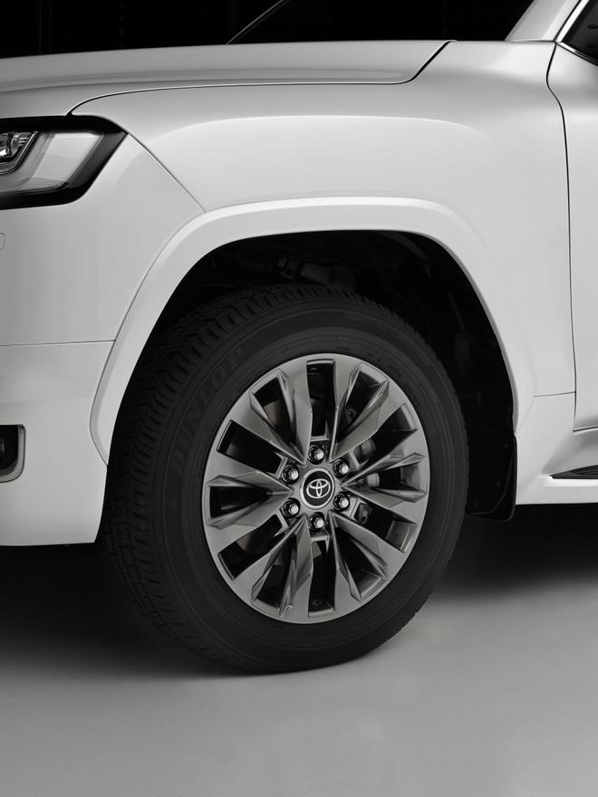 Toyota Land Cruiser 2022 trình làng: Khung gầm mới, không còn bản V8 - 11