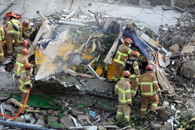 Ngôi nhà 5 tầng tại Hàn Quốc đổ sập xuống xe buýt, 9 người chết - 3
