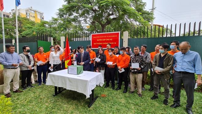 Cộng đồng người Việt tại Mozambique ủng hộ Quỹ phòng chống Covid-19 - 1