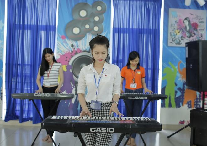 Trường đại học tổ chức thi trực tuyến năng khiếu vẽ và nhạc - 1