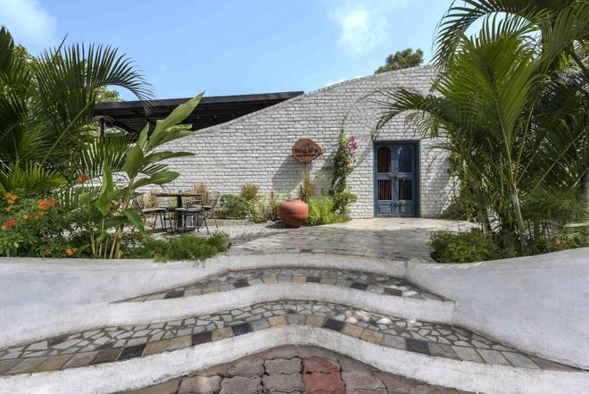 Quán cà phê sân vườn có thiết kế đẹp lạ, tiết kiệm điện năng - 3