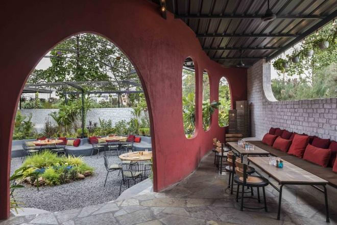 Quán cà phê sân vườn có thiết kế đẹp lạ, tiết kiệm điện năng - 7