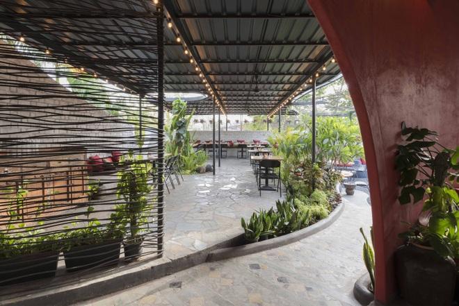 Quán cà phê sân vườn có thiết kế đẹp lạ, tiết kiệm điện năng - 9