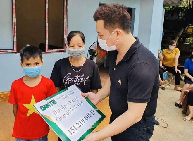 Bạn đọc xây nhà tặng, cậu bé bỏ học được giúp đỡ tiếp tục đến trường - 1