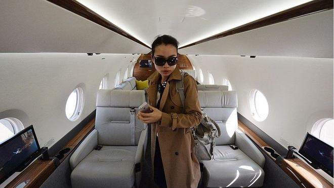 Dân Trung Quốc ác cảm với người siêu giàu thích khoe của - 1