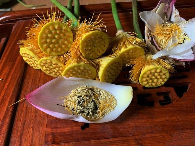 Trà ướp sen chát trước ngọt sau giá 10 triệu đồng/kg - 1