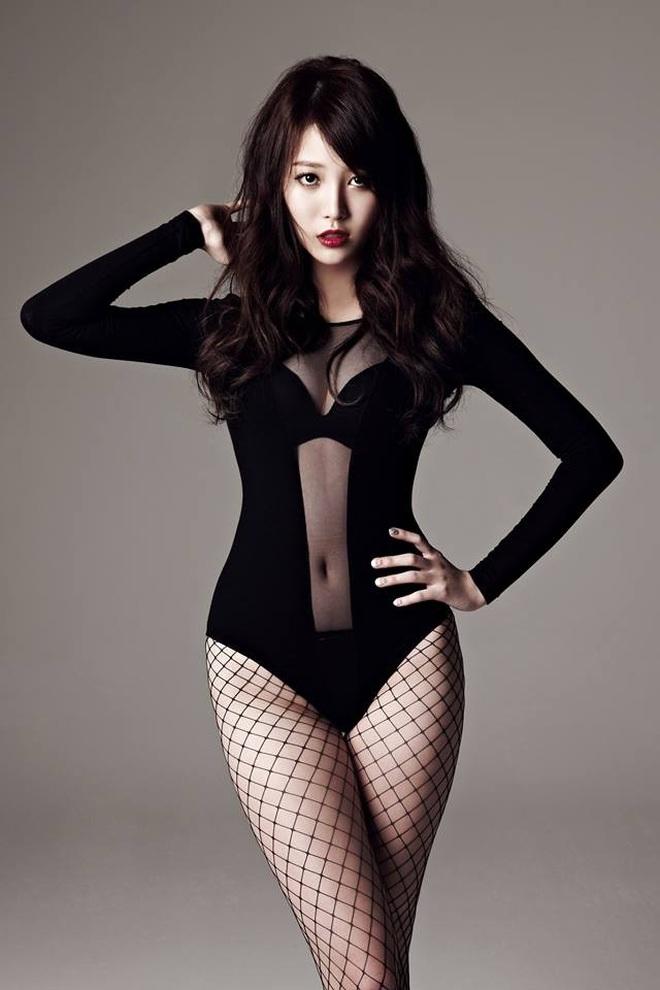 Dáng vóc gợi cảm của nữ thần tượng xứ Hàn sở hữu đôi chân 10 tỷ đồng - 8