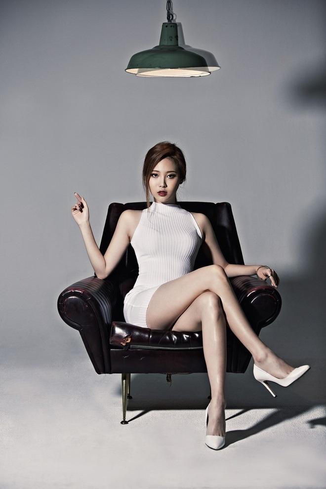 Dáng vóc gợi cảm của nữ thần tượng xứ Hàn sở hữu đôi chân 10 tỷ đồng - 4