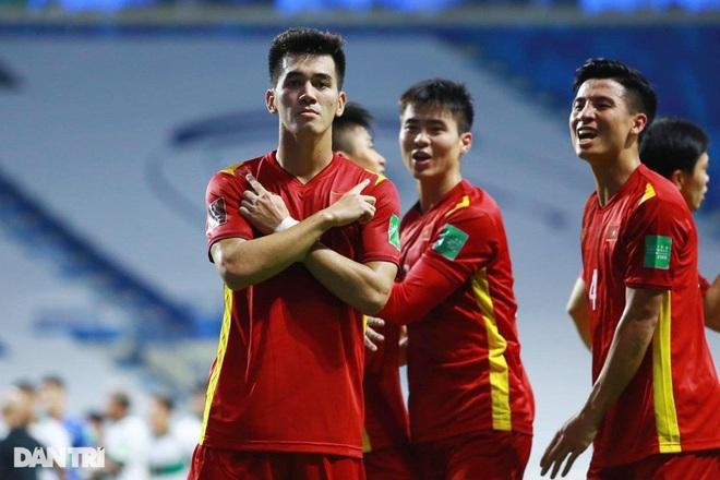 Báo Trung Quốc: Đội tuyển Việt Nam gây sốc cho cả thế giới - 1