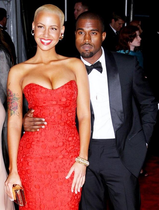 Chồng tỷ phú của Kim Kardashian và danh sách bạn gái bốc lửa - 4