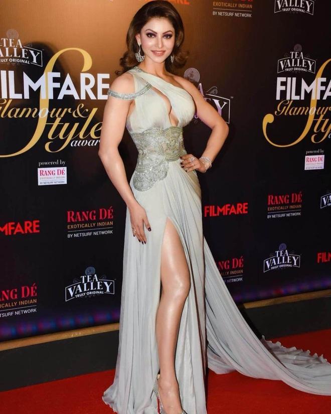 Hoa hậu Ấn Độ gây sốt khi khoe clip cho huấn luyện viên đấm vào bụng - 3