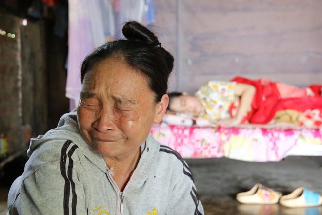 Rớt nước mắt cậu bé 5 tuổi khẩn cầu sự sống cho mẹ giữa đại ngàn Tây Nguyên - 6
