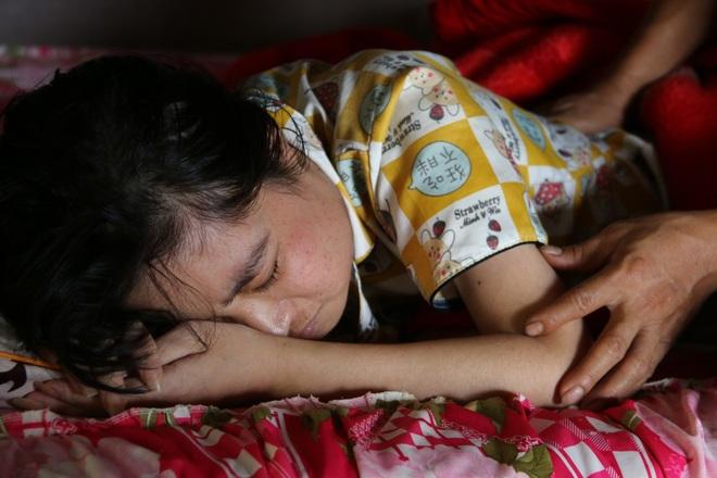 Rớt nước mắt cậu bé 5 tuổi khẩn cầu sự sống cho mẹ giữa đại ngàn Tây Nguyên - 5