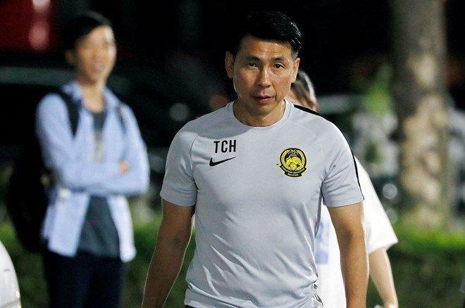 HLV Tan Cheng Hoe nhận tin buồn trước trận gặp đội tuyển Việt Nam - 1