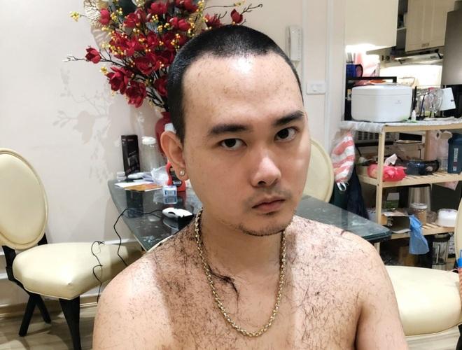 Chết cười khi vợ trẻ trở thành thợ cắt tóc bất đắc dĩ cho chồng - 3