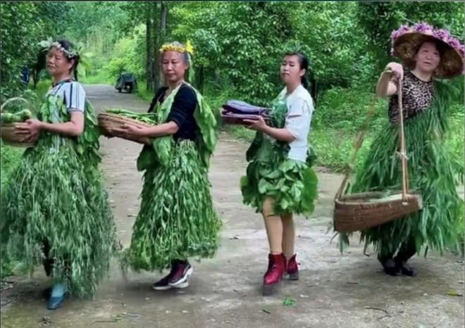 Tuyệt chiêu bán rau của nông phụ Trung Quốc - 1