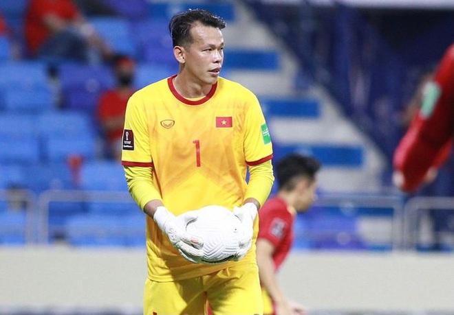 Malaysia chơi chiêu tâm lý, thầy cũ của Văn Lâm bảo vệ Bùi Tấn Trường - 2