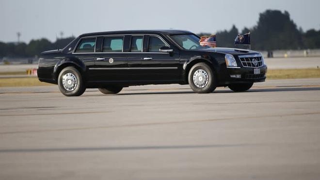 Lý do xe Quái thú của ông Biden vắng bóng trong chuyến công du Anh - 2