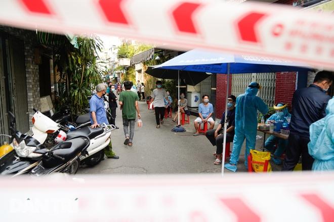 Tổ chức ăn nhậu tại nhà, 6 người trong gia đình mắc Covid-19 - 2