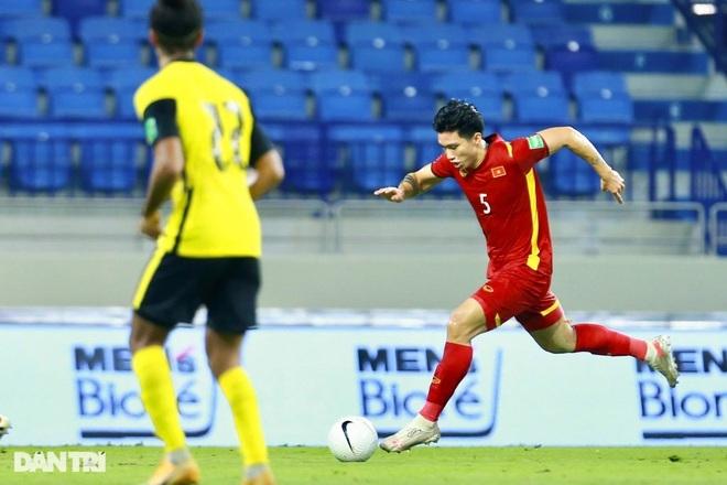 Cầu thủ nào chơi hay nhất của đội tuyển Việt Nam ở trận gặp Malaysia? - 2