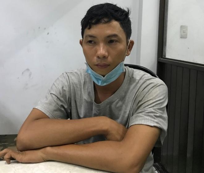 Khởi tố kẻ khóa cửa đốt nhà đôi vợ chồng bán hoa ở Sài Gòn - 1