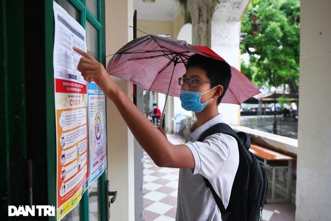 Thí sinh Hà Nội làm bài thi ngữ văn, ngoại ngữ trong thời tiết mát mẻ - 8