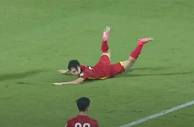 Trọng tài Malaysia thừa nhận sự thật về quả phạt đền của tuyển Việt Nam - 1