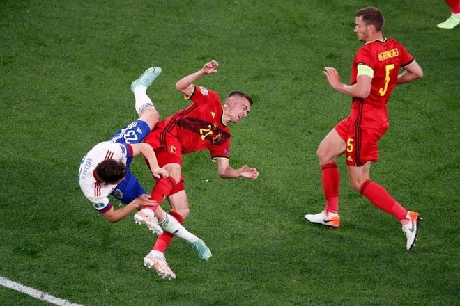 Ngôi sao tuyển Bỉ chia tay Euro 2020 do chấn thương nghiêm trọng - 1