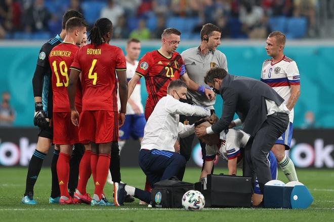 Ngôi sao tuyển Bỉ chia tay Euro 2020 do chấn thương nghiêm trọng - 5