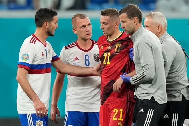 Ngôi sao tuyển Bỉ chia tay Euro 2020 do chấn thương nghiêm trọng - 6