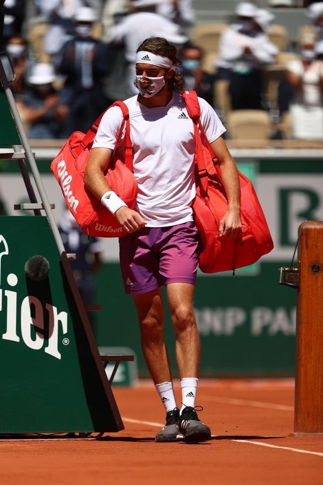 Những khoảnh khắc Djokovic vượt qua Tsitsipas để vô địch Roland Garros - 1