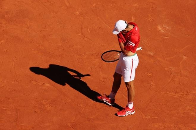 Những khoảnh khắc Djokovic vượt qua Tsitsipas để vô địch Roland Garros - 9