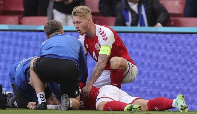 Khi Eriksen gục xuống, cả thế giới đã lặng đi rồi vỡ òa niềm hạnh phúc - 1