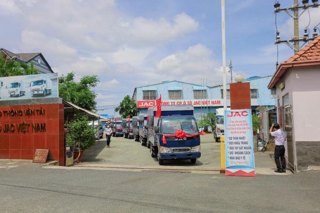 Jac bàn giao 100 xe trường lái H350 cho Trung tâm dạy nghề lái xe Sài Gòn - 1