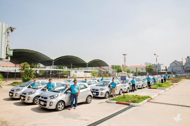 Jac bàn giao 100 xe trường lái H350 cho Trung tâm dạy nghề lái xe Sài Gòn - 2