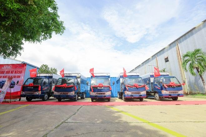 Jac bàn giao 100 xe trường lái H350 cho Trung tâm dạy nghề lái xe Sài Gòn - 4