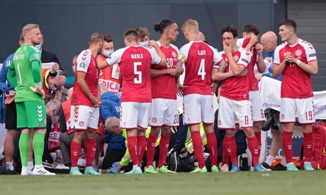 HLV Đan Mạch: Chúng tôi cầu nguyện cho Eriksen - 1