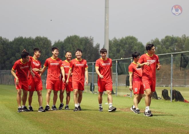Tuấn Anh khó đá trận UAE, Quang Hải được HLV Park gặp riêng - 2