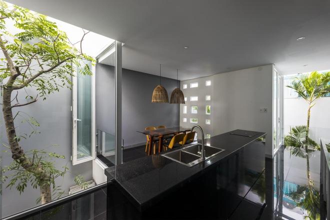 Thiết kế nhà độc đáo với 400 lỗ ánh sáng, tiền điện 250.000 đồng/tháng - 6