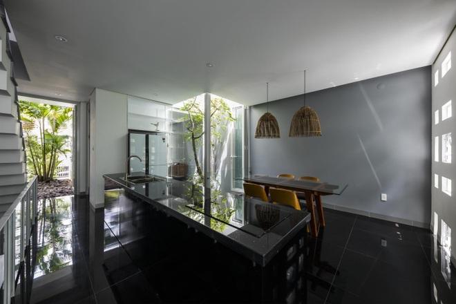Thiết kế nhà độc đáo với 400 lỗ ánh sáng, tiền điện 250.000 đồng/tháng - 7