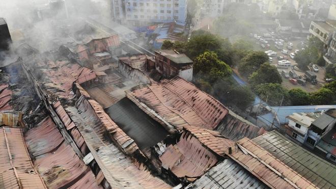 Bộ Xây dựng lý giải việc chậm di dời nhà máy, bệnh viện khỏi nội đô Hà Nội - 1