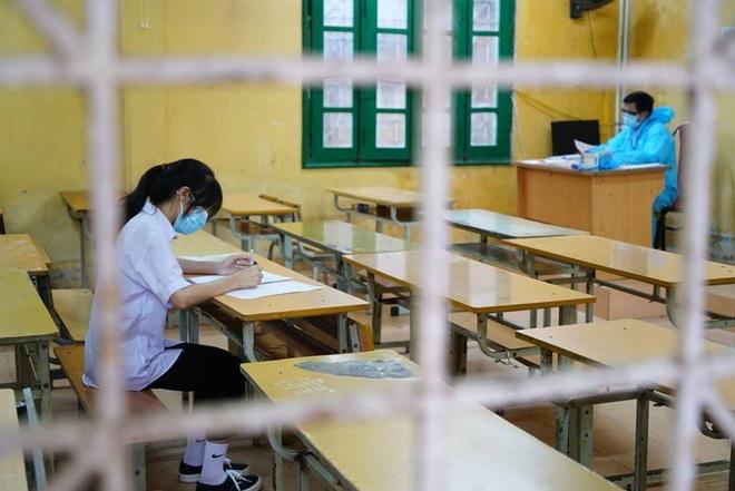 Hà Nội: Điều chưa biết về phòng thi đặc biệt chỉ có một thí sinh  - 2