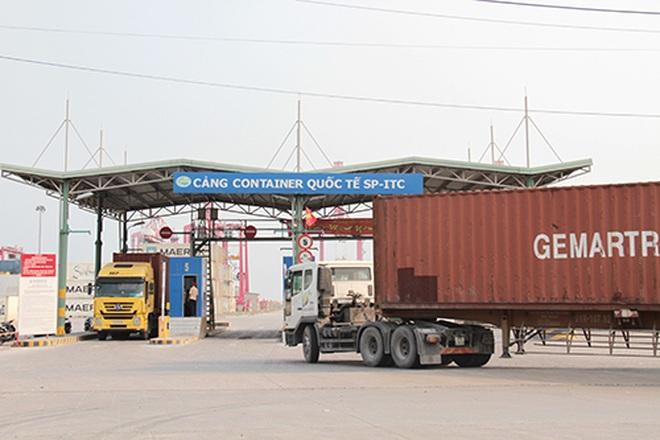 Khoanh vùng tạm thời cảng container quốc tế vì một ca nghi nhiễm Covid-19 - 1