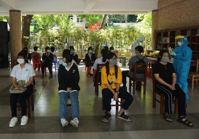 Đà Nẵng: Lấy mẫu xét nghiệm Covid-19 cho hơn 13.000 thí sinh thi vào lớp 10 - 5