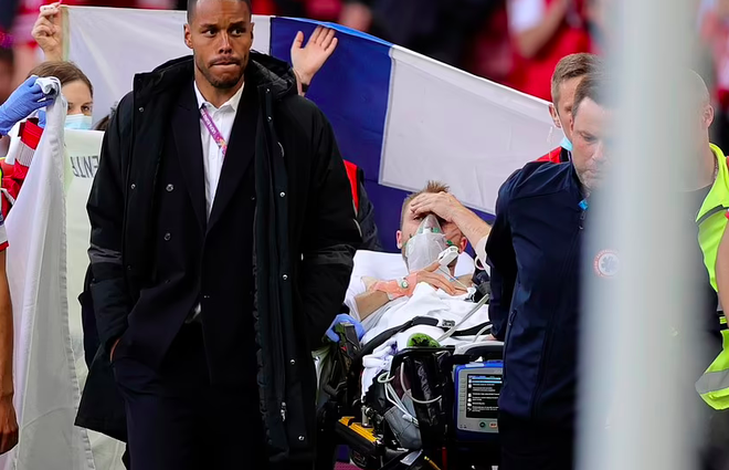 Đội ngũ y tế đã giành lại sự sống của Eriksen như thế nào? - 1